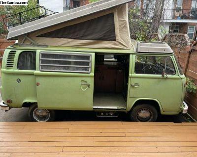 1976 Volkswagen Bus Westfalia **automatic / gas**