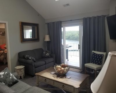 Parkview Bay, 3 bed, 3 bath, lakeview, elevator, wifi, pool, boat dock available - Osage Beach
