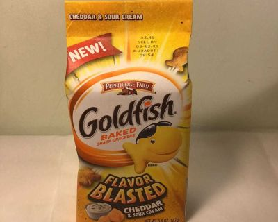 New Pepperidge farm labor blasted cheddar and sour cream goldfish, expiration September 2021