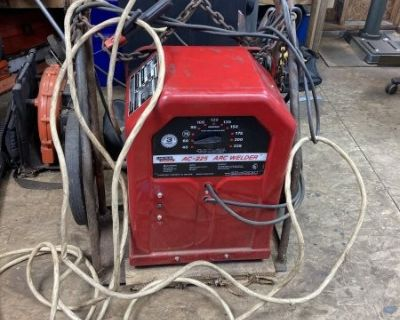FS/FT Lincoln 225 volt arc welder w/cart