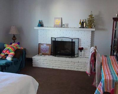 Private room with shared bathroom - Hesperia , CA 92345