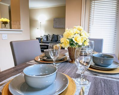 Modern Apartment in the Galleria//Uptown - Gulfton