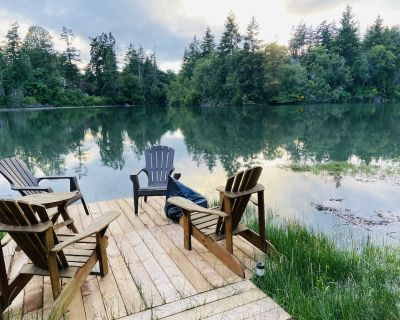 Brand New Oceanside Private Suite in Quiet Natural Setting, Pet Friendly - North Saanich