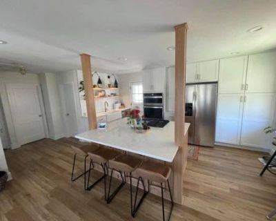 Newly Renovated Kitchen and Garden!, Denver, CO