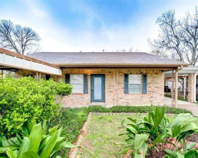 705 Barkley Street, Houston, TX 77022