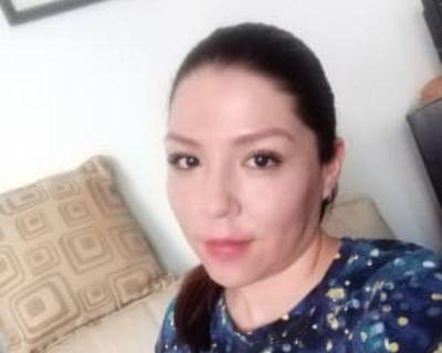 Claudia, 32 years, Female - Looking in: Washington DC