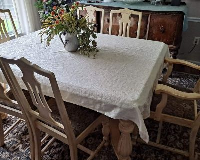 1920 s Antique distressed dining table and chairs