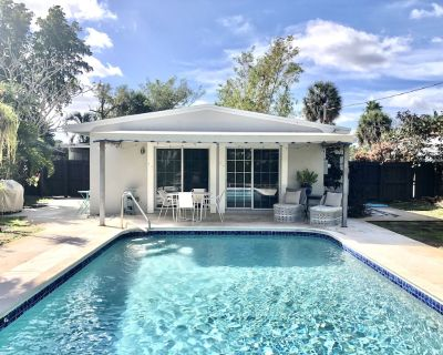 Lush, Private Retreat with Huge Heated Pool! - Middle River Terrace