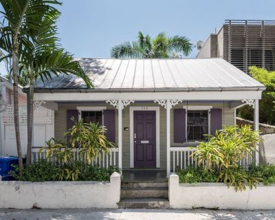 CONCH COTTAGE -Old Town Location - WEEKLY vacation rental - Hot Tub - 1BD/1BA - Downtown Key West