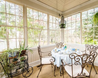 Beautiful Historic Bed & Breakfast walking distance to downtown Asheville, Asheville, NC