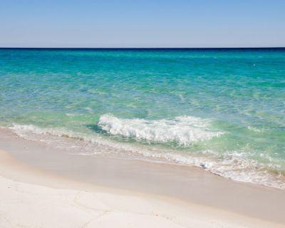 Spacious Destin Condo with Beautiful Ocean Views, Free Seasonal Beach Setup - Holiday Isle