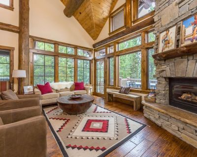 Mountain Chic Ski-in/Ski-out home with mountain views and private hot tub - Spanish Peaks