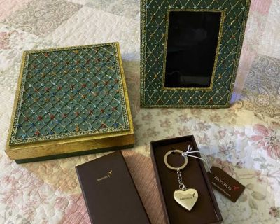 Papyrus Picture Frame & Heart Keychain