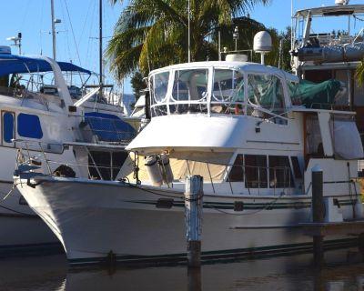 1986 Senator Sundeck Motor Yacht