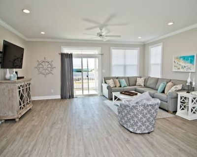 Seaside Villas, 3 story, elevator, garage, 4 bedrooms, 3.5 bath. Sleeps 8-10 - Atlantic Beach