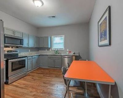 Room for Rent - a 10 minute walk from Ashby Trans, Atlanta, GA 30314 1 Bedroom House