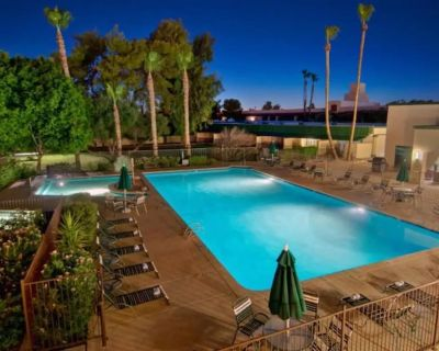 *SUMMER PRICE DROP* Modern Rustic Scottsdale Suite w/ Private Balcony! - Inner Circle