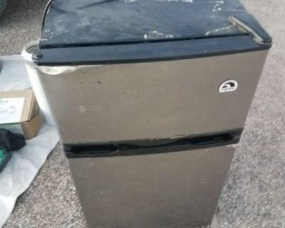 3.4 cubic ft. Dorm Refridgerator