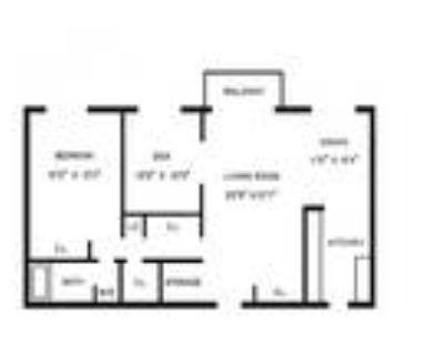 Wessex House - 1 Bedroom Den w/ Balcony