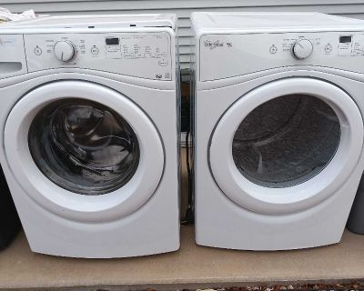 Gas washer and dryer set