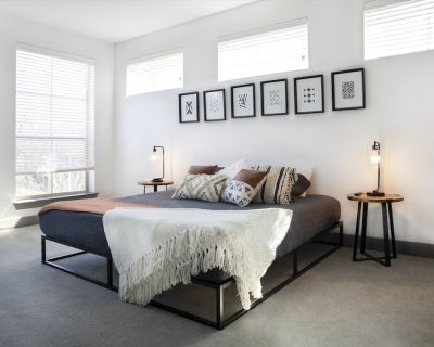 Luxury Apartment w/ King Bed and Sky Lounge - Fort Worth
