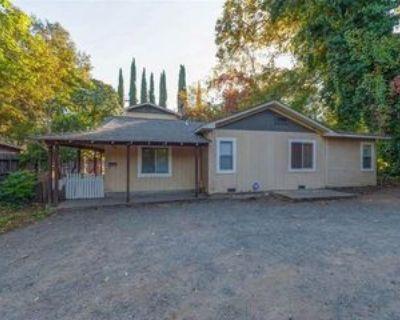 1068 Ivy St #1, Chico, CA 95928 5 Bedroom Apartment