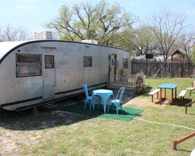 Vintage Spartan Trailer Coach - Pipe Creek