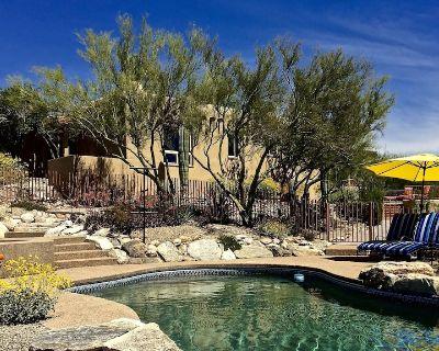 Tucson's Gateway to Best Restaurants & Shopping + Heated Pool + 2 Master Suites - Las Lomas De Kino