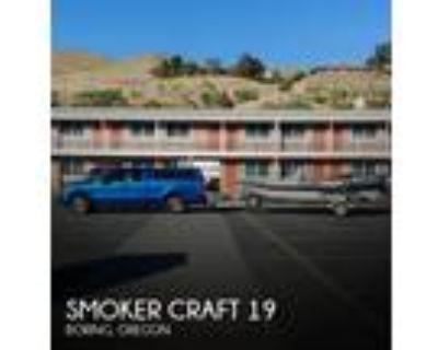 19 foot Smoker Craft 19