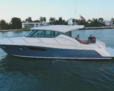 2016 Tiara Yachts 44 Coupe