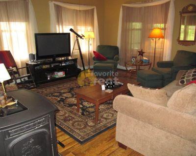 Pine Grove lakefront 4 bedrooms 2 full baths house