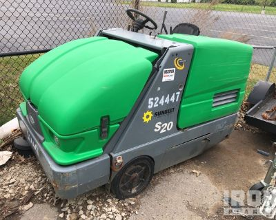2013 (unverified) Tennant S20 Sweeper