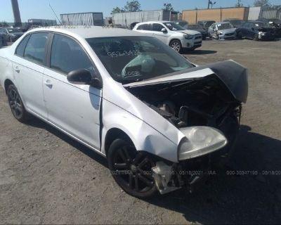 Salvage White 2008 Volkswagen Jetta Sedan