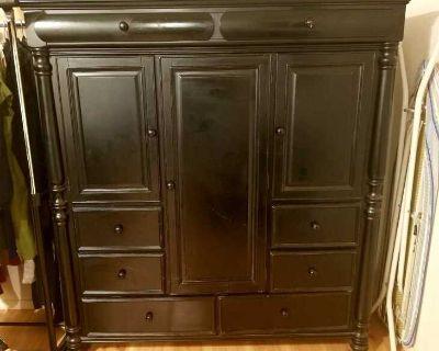 South East Asian Large Dresser