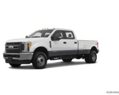 2019 Ford Super Duty F-350 Lariat 4WD Crew Cab 8' Box DRW