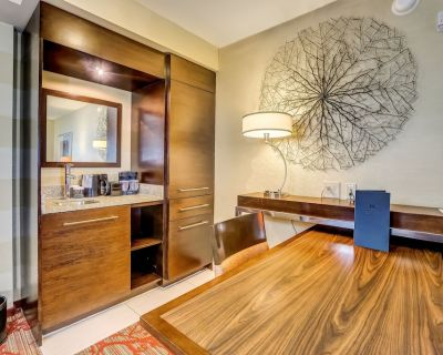 Embassy Suites Atlanta - Kennesaw Town Center - Town Center