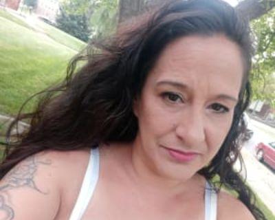 Elaine, 43 years, Female - Looking in: Broomfield CO