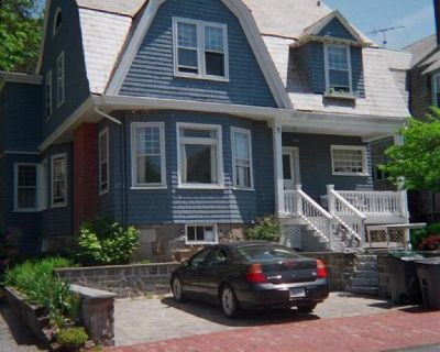 $11500 5 single-family home in Newport