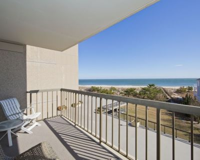 FREE DAILY ACTIVITIES!! Amazing completely renovated third floor Ocean Front apartment with awesome ocean and beach views that go on forever! - Bethany Beach