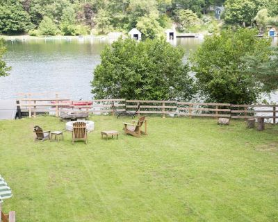 Lakefront home on beautiful and private motorboat la - 100 feet private lakefron - Putnam Valley