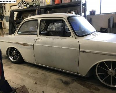 [WTB] Wanted Pearl White right rear fender Notchback