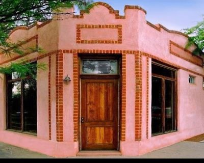 Stylish Spacious Converted Bakery Best Downtown Location Walk to Everything - Armory Park