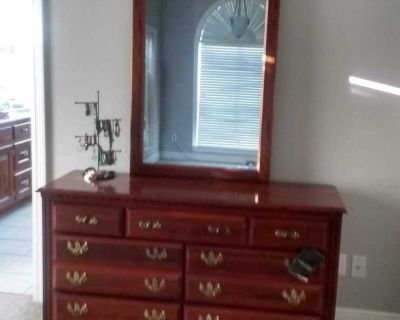 Haverty large dresser and mirror. Mint condition