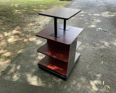 Sturdy Rollabe TV Stand