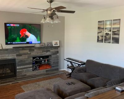 Private room with shared bathroom - Lake Elsinore , CA 92530