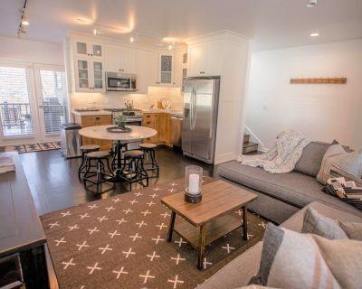 Designer Ski House - Sleeps 9 - 300 feet to Town LIft - Downtown Park City