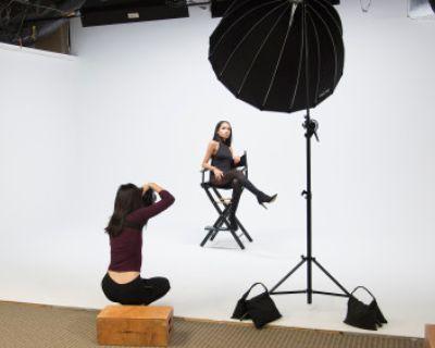 Large and Flexible Daylight Studio with Cyc, Herndon, VA