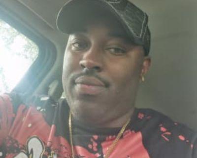 Demario steward, 32 years, Male - Looking in: Milwaukee Milwaukee County WI