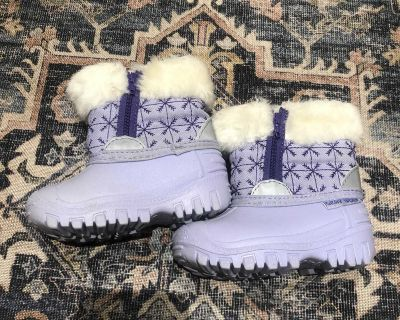 Baby Girls Winter Boots size 5