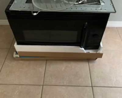 Euc black whirlpool microwave